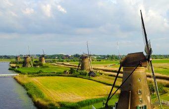 Vakantie in Nederland kinderdijk